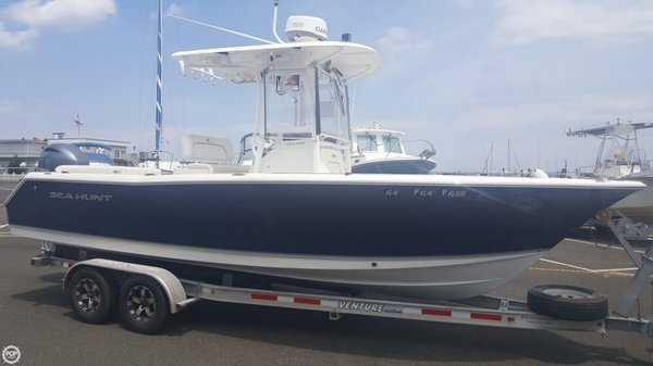 Used Sea Hunt 23 Center Console Fishing Boat For Sale