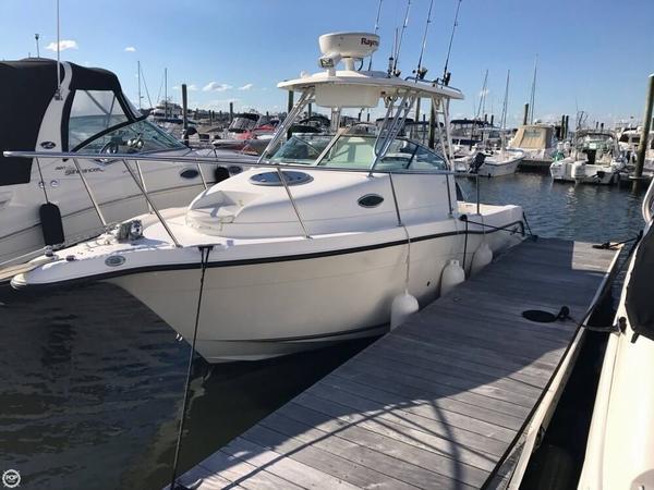 Used Seaswirl Striper 2601WA Walkaround Fishing Boat For Sale