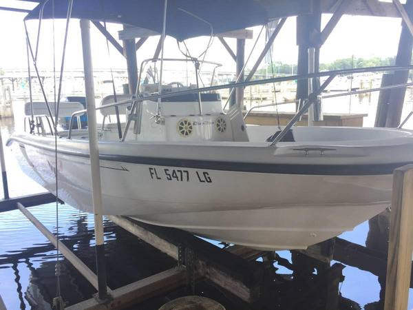 Used Boston Whaler Dauntless 18 Center Console Fishing Boat For Sale