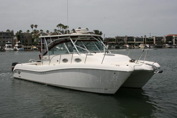 Used World Cat 320 Express Cabin Power Catamaran Boat For Sale