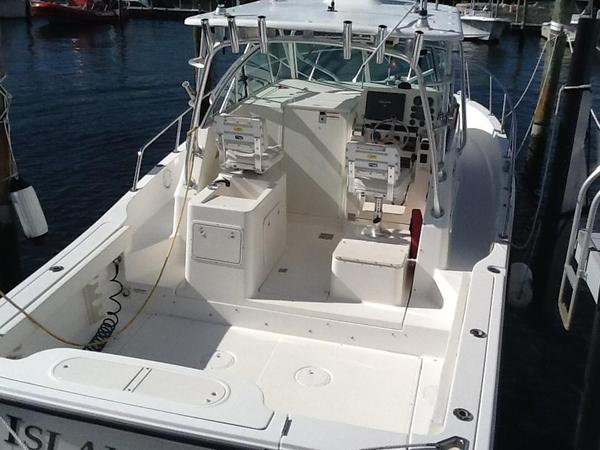 Used Rampage 30 Walkaround Saltwater Fishing Boat For Sale
