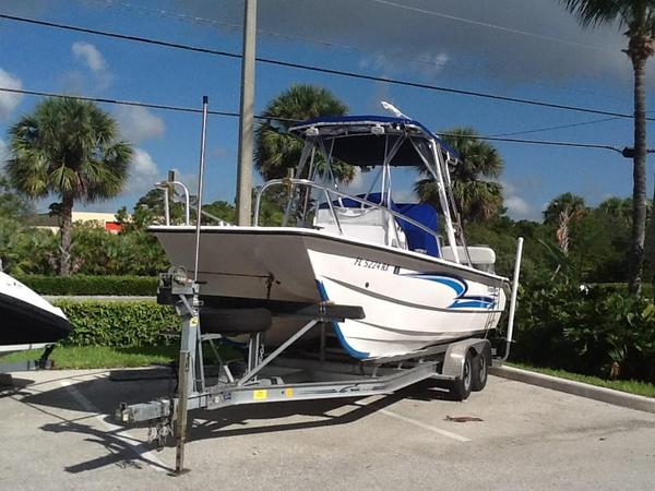 Used Twin Vee 22 Center Console Saltwater Fishing Boat For Sale