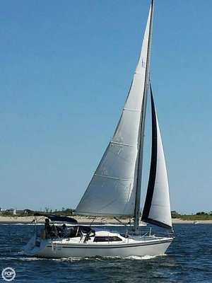 Used Hunter Vision 32 Sloop Sailboat For Sale