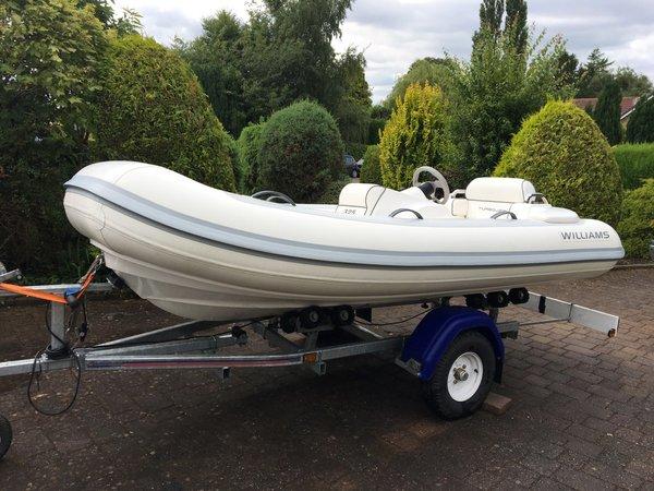 Used Williams Turbojet 325 Motor Yacht For Sale