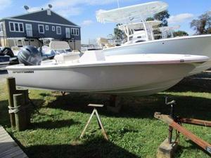 New Sportsman 17' Island Reef17' Island Reef Center Console Fishing Boat For Sale