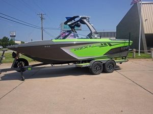 New Tige RZX2RZX2 Ski and Wakeboard Boat For Sale