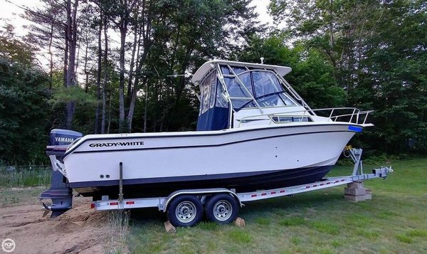 Used Grady-White 270 Islander Walkaround Fishing Boat For Sale
