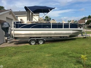 Used Bennington 24 SFX Pontoon Boat For Sale