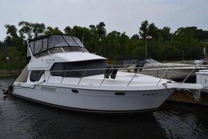 Used Carver 374 Voyager Motor Yacht For Sale