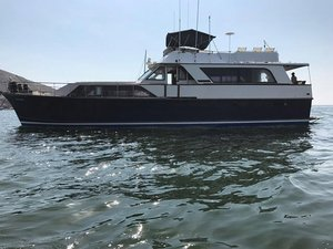 Used Pacemaker 66 Sedan Motor Yacht For Sale