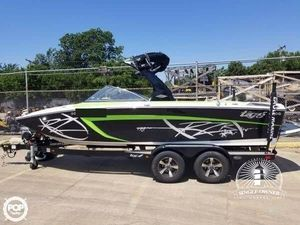 Used Tige RZR Ski and Wakeboard Boat For Sale