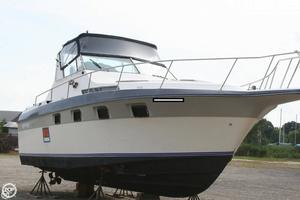 Used Cruisers Yachts 33 Express Cruiser Boat For Sale