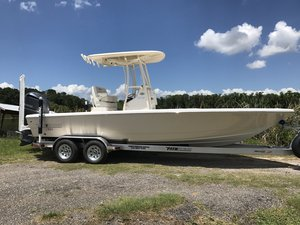 New Pathfinder 2500 HPS Hybrid Bay Boat For Sale