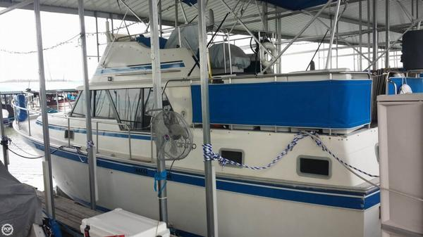 Used Mainship 36 DC Cruiser Boat For Sale