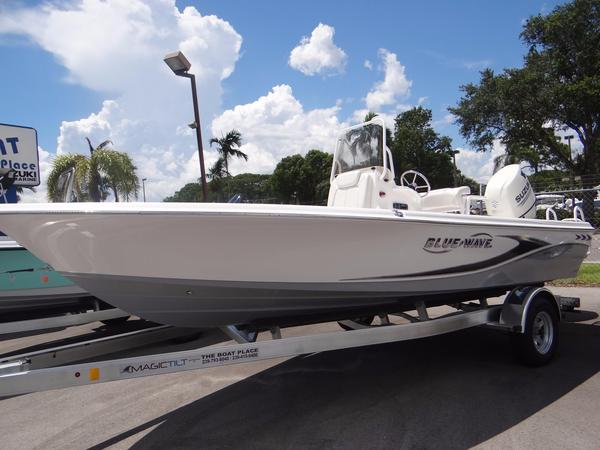 New Blue Wave 2000 Pure Bay #34E Center Console Fishing Boat For Sale