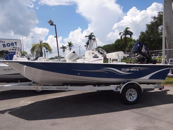 New Blue Wave 1900 STL-Dark Blue #33E Center Console Fishing Boat For Sale