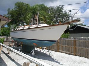 Used Dickerson 37 Cruiser Sailboat For Sale