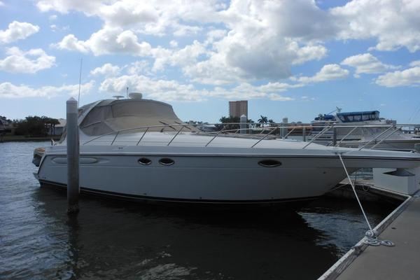 Used Maxum 3700 SCR Sports Cruiser Boat For Sale