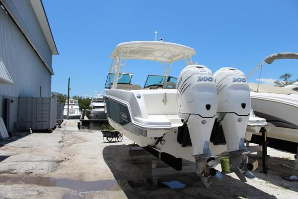 Used Boston Whaler 270 Vantage Sports Fishing Boat For Sale