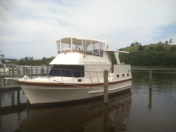 Used Oceania 38 Sundeck Trawler Boat For Sale