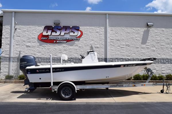 Used Sea Hunt XP 19 Bay Boat For Sale