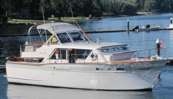 Used Chris Craft Conqueror Aft Cabin Boat For Sale