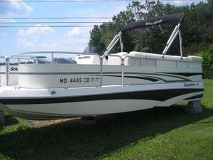 Used Southwind 2290 FF Deck Boat For Sale