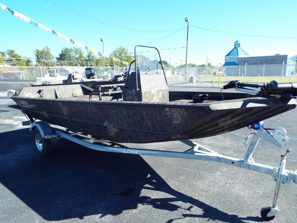New Lowe Roughneck 1860 Pathfinder Tunnel JetRoughneck 1860 Pathfinder Tunnel Jet Freshwater Fishing Boat For Sale
