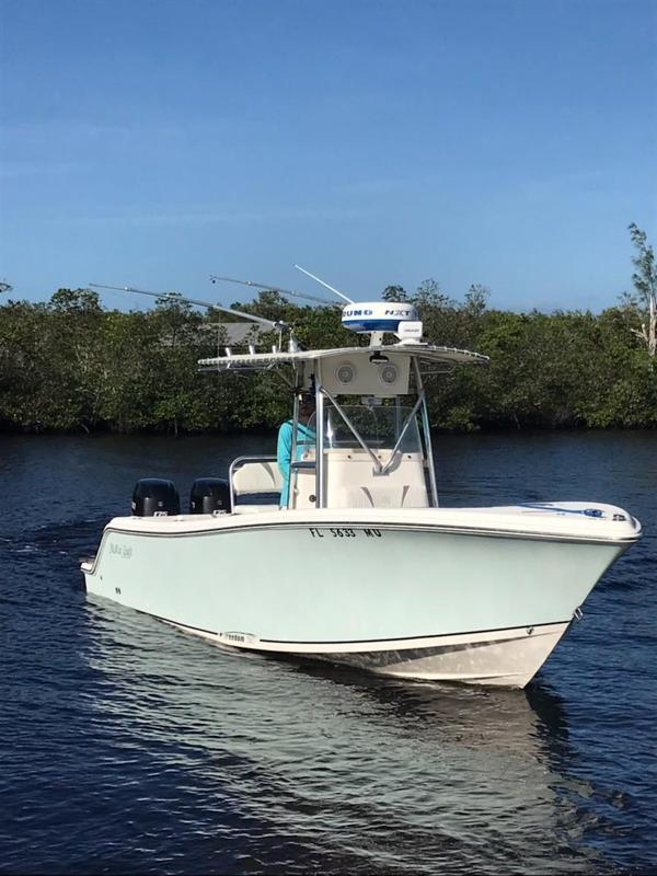 Used Mckee Craft Freedom 24 CC TE Center Console Fishing Boat For Sale