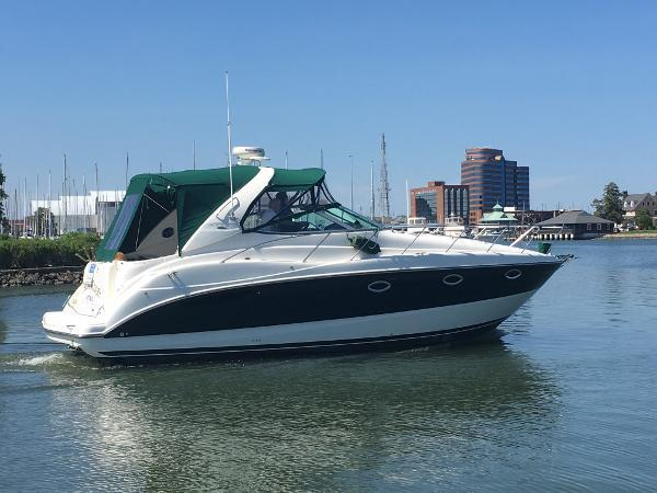 Used Maxum 3500 SCR River Cruiser Boat For Sale