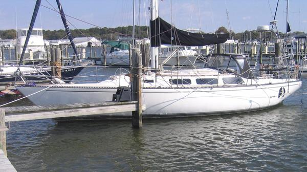 Used Catalina 38 Racer and Cruiser Sailboat For Sale