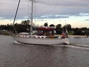 Used Endeavour 42 Center Cockpit Sailboat For Sale