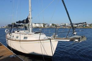 Used Island Packet 31 Cruiser Sailboat For Sale