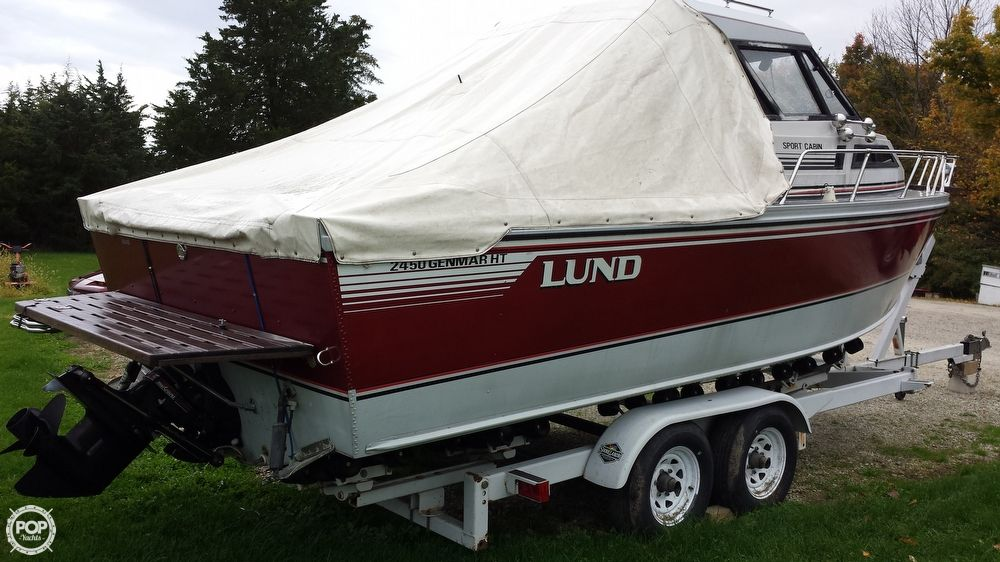 1989 Used Lund 2450 Genmar Ht Sport Cabin Pilothouse Boat