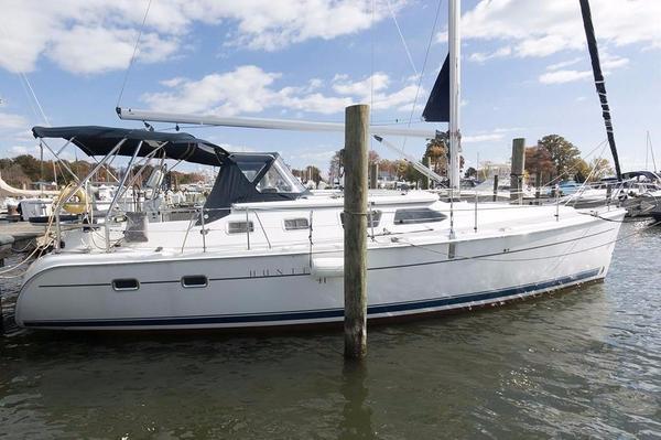 Used Hunter 41 Deck Salon Sloop Sailboat For Sale