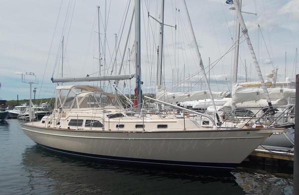 Used Island Packet 465 Cruiser Sailboat For Sale