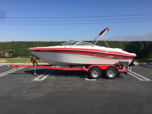 Used Four Winns 210 Horizon Runabout Boat For Sale