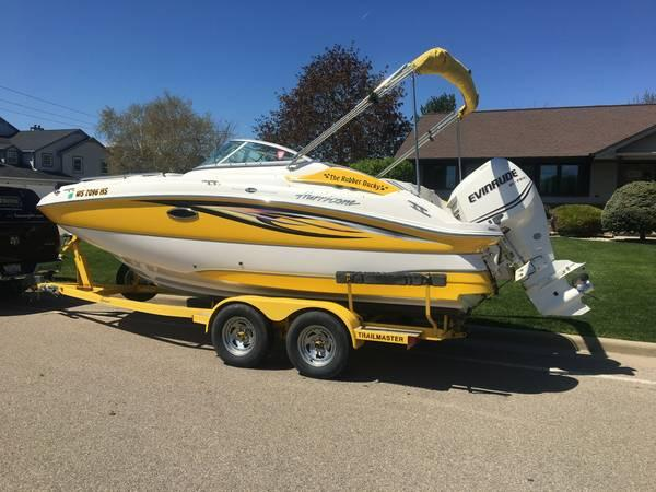Used Hurricane Sun Deck 2000 Deck Boat For Sale