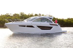 New Cruisers Yachts 50 Cantius Express Cruiser Boat For Sale
