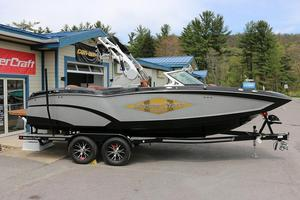 New Mastercraft X23 SURF EDITION Ski and Wakeboard Boat For Sale