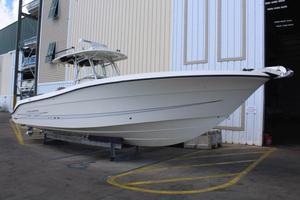 Used Hydra-Sports Vector 3300 CC Sports Fishing Boat For Sale