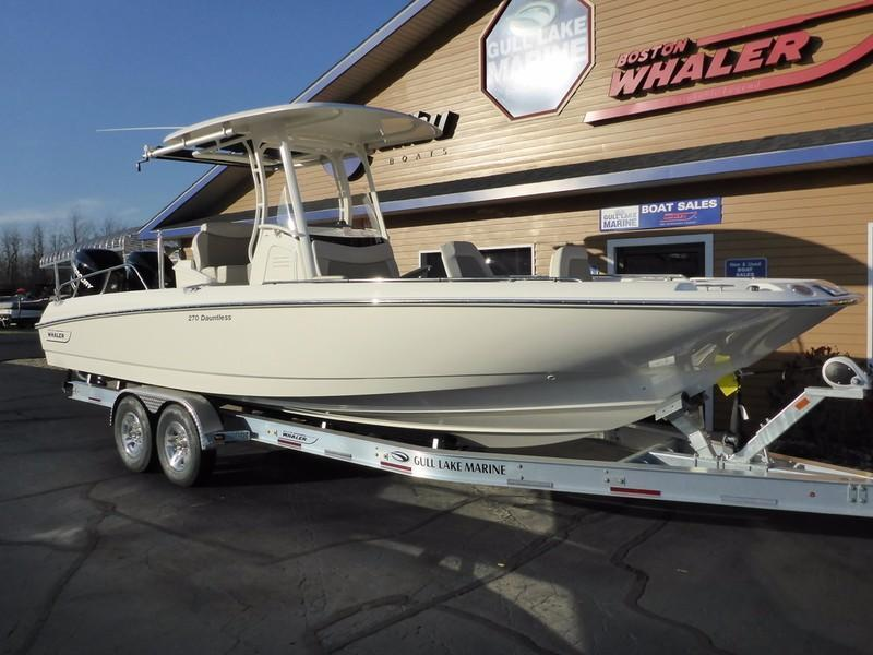 2017 new boston whaler 270 dauntless270 dauntless center for Fishing boats for sale in michigan