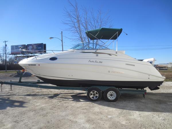 Used Rinker 266 Cruiser Boat For Sale