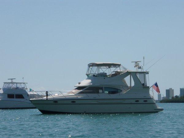 Used Maxum 4100 SCA Flybridge Boat For Sale