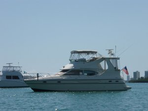 Used Maxum 4100 SCA Flybridge Boat For Sale
