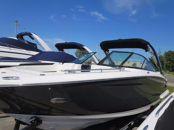 New Regal 2800 Bowrider Boat For Sale