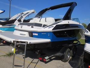 New Regal 24 FasDeck Ski and Wakeboard Boat For Sale