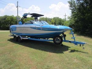 Used Supra SE450-550 Ski and Wakeboard Boat For Sale