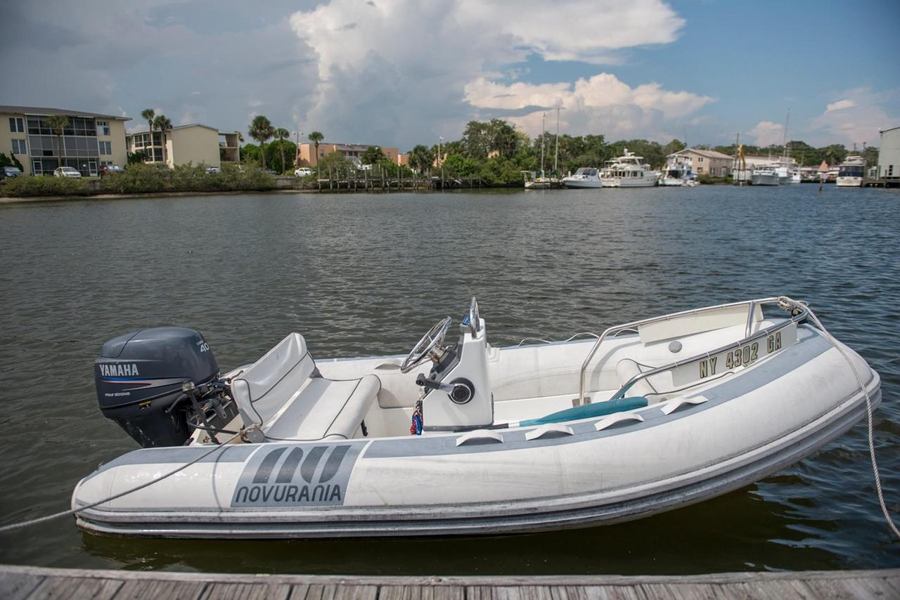 1988 used hatteras 70 motor yacht motor yacht for sale for Used motor yachts for sale in florida