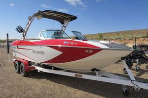 Used Mb B-52 23 Widebody Ski and Wakeboard Boat For Sale